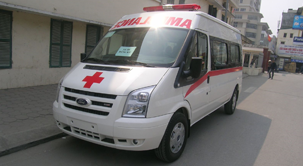 xe-cuu-thuong-ford-transit-anh-dai-dien